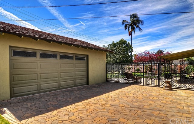527 N Dwyer Dr, Anaheim, CA 92801 Photo 2