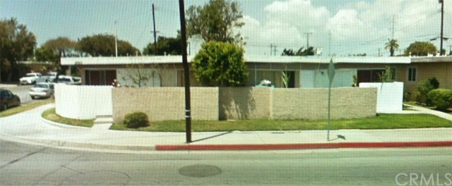 16911 Newland Street Huntington Beach, CA 92647 is listed for sale as MLS Listing OC16054976
