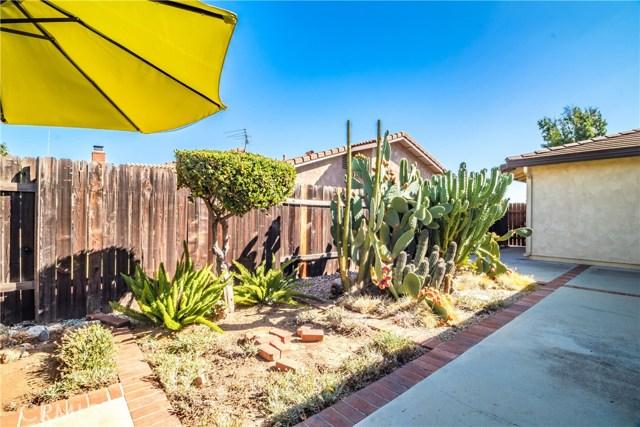 1237 Oak Mesa Drive, La Verne CA: http://media.crmls.org/medias/8ff41626-c649-42d7-910e-711aa001ee84.jpg
