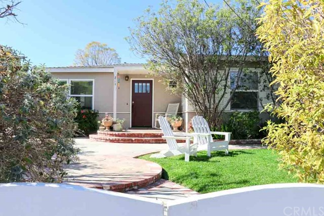 213 Santa Isabel Avenue, Costa Mesa, CA, 92627