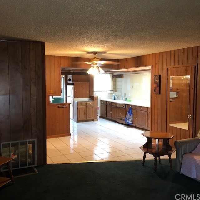 20930 Jamison Avenue, Carson CA: http://media.crmls.org/medias/90153390-c0a2-4122-9453-64cd735728c5.jpg