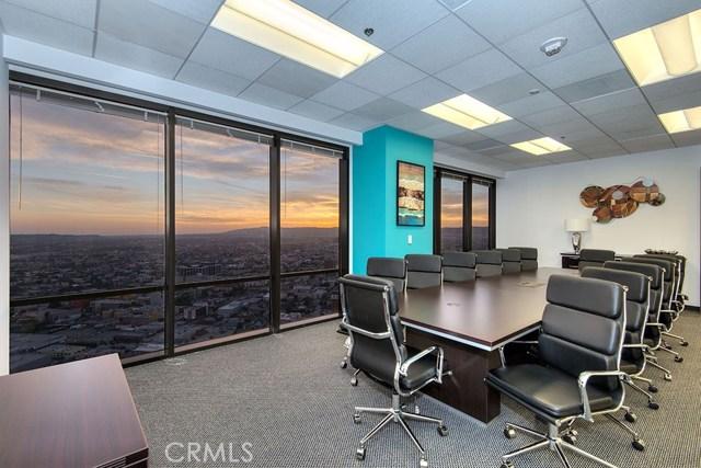 1055 W 7th St, Los Angeles, CA 90017 Photo 2