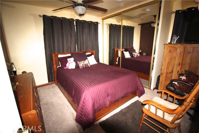 798 Bunker Hill Drive, San Bernardino CA: http://media.crmls.org/medias/9021419e-32f6-4437-acd0-cef10acea362.jpg