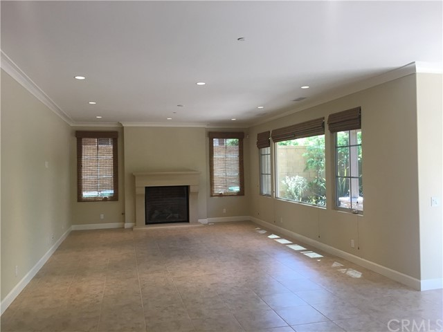 50 Umbria, Irvine, CA 92618 Photo 3