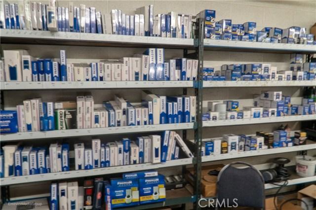 5483 Arrow Highway, Montclair CA: http://media.crmls.org/medias/902c942c-63be-4257-9b45-eff8e612e45e.jpg