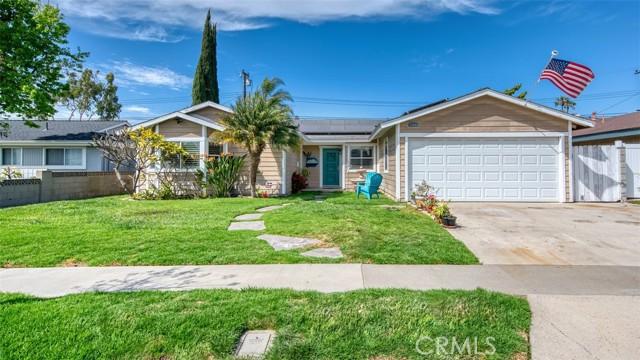 5441 Santa Barbara Avenue, Garden Grove CA: http://media.crmls.org/medias/90347b60-3189-48ec-83f3-57c6f107b2c8.jpg