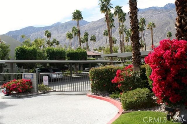 351 Hermosa Drive, Palm Springs CA: http://media.crmls.org/medias/903b25c5-62ae-4e71-9397-803876a1a2ae.jpg