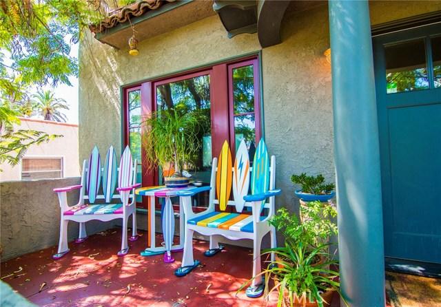 1126 11th Street, San Pedro CA: http://media.crmls.org/medias/90440f20-010e-4aac-a2f5-9e62aebe8563.jpg