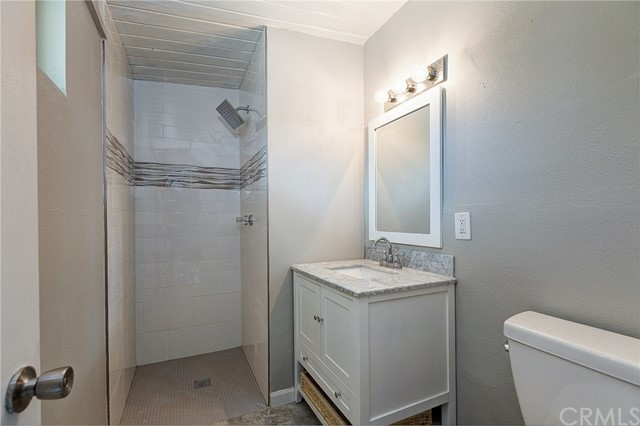 4319 Saint Mark Avenue, La Verne CA: http://media.crmls.org/medias/905ac3b7-99b3-4eb2-8cb6-7890fabb0aac.jpg