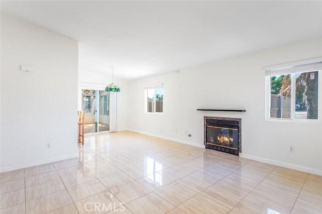 7589 Villa Avenue, Highland CA: http://media.crmls.org/medias/905be578-0278-46e0-b29a-e23a0a6ec935.jpg