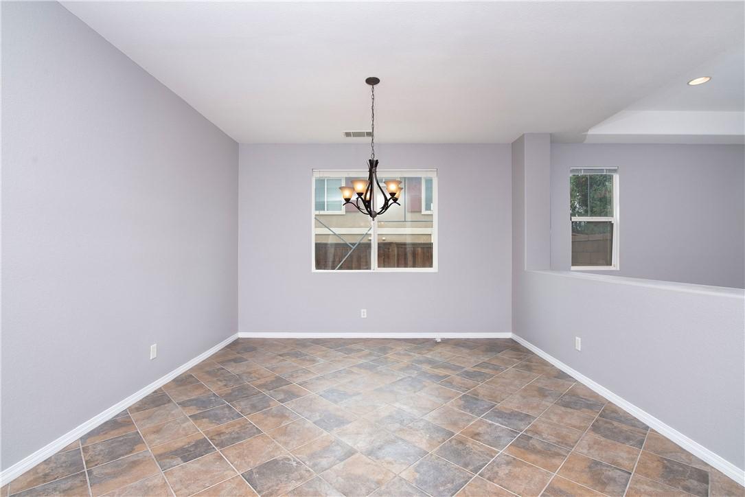 41047 Sunsprite Street, Lake Elsinore CA: http://media.crmls.org/medias/906f0911-2f30-4730-8e02-d42ea79149de.jpg