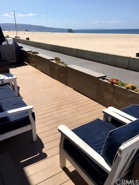 3411 The Strand, Hermosa Beach, CA 90254 photo 4