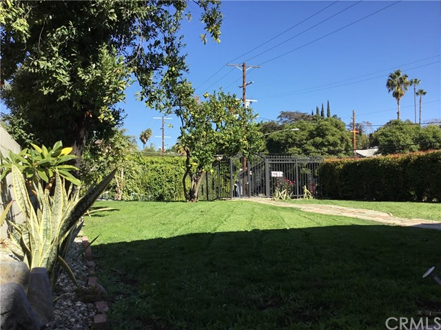 4302 Russell Avenue, Los Angeles CA: http://media.crmls.org/medias/90857fad-33a7-4246-965d-9456eadd867a.jpg