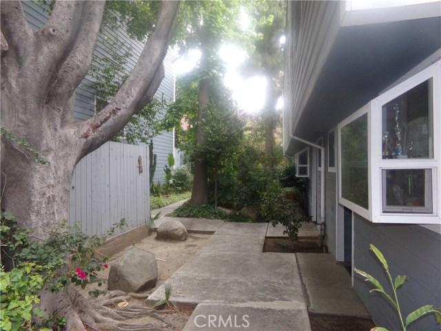 15113 Saticoy Street, Van Nuys CA: http://media.crmls.org/medias/90886010-53ee-4954-9801-fce4f7afb6b0.jpg