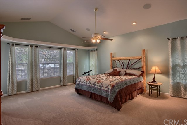 53890 Dogwood Creek Drive, Bass Lake CA: http://media.crmls.org/medias/9091873f-f789-48eb-be2a-a052c11659ce.jpg