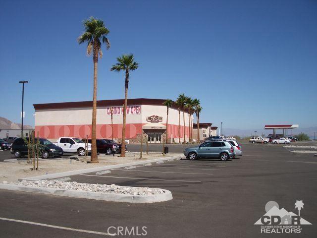 951 (lot 33) Seaport (waterfront), Salton City CA: http://media.crmls.org/medias/9098df64-8696-4ac2-89c6-f60578378cca.jpg