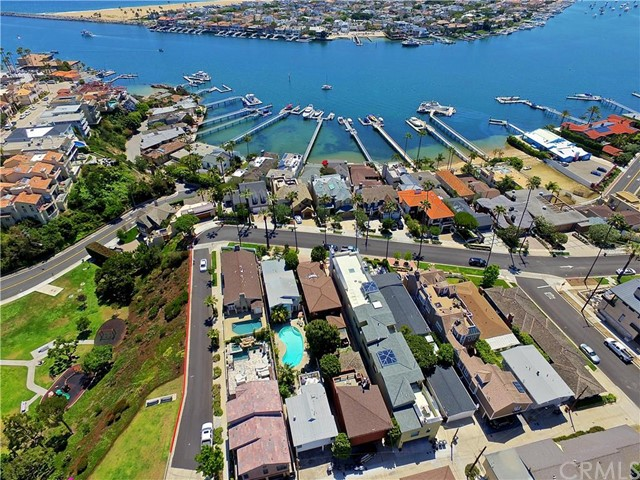 Single Family for Sale at 2324 Pacific Drive Corona Del Mar, California 92625 United States