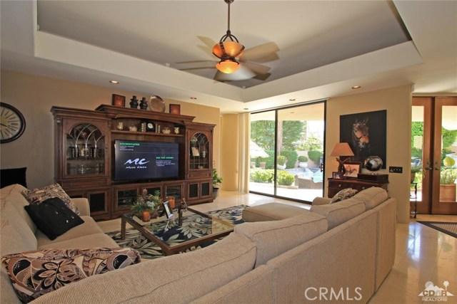 45575 Alta Colina Way, Indian Wells CA: http://media.crmls.org/medias/9099c973-6e4f-48a0-99fd-57045af9225d.jpg