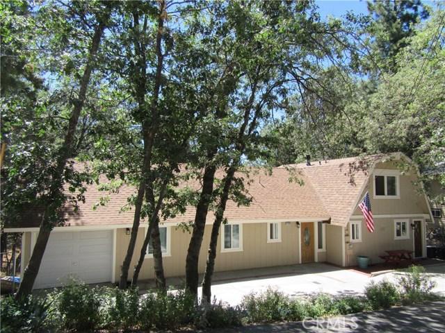Casa Unifamiliar por un Venta en 32835 Cougar Lane Arrowbear Lake, California 92382 Estados Unidos
