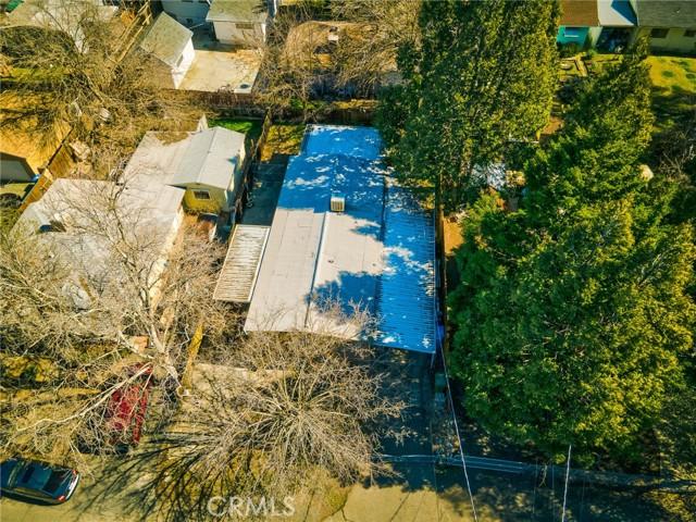 3562 Mountain View Street, Clearlake CA: http://media.crmls.org/medias/90bc1ddc-fc47-4a99-9462-ff9e7512a792.jpg