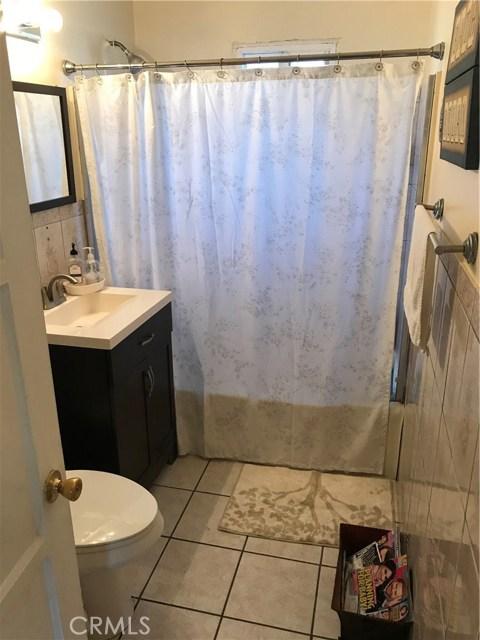 9400 Alexander Avenue, South Gate CA: http://media.crmls.org/medias/90bf2c5f-82f1-48be-876d-4cb95267b290.jpg