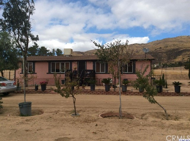 6917 Sierra Highway Highway, Agua Dulce CA 91390