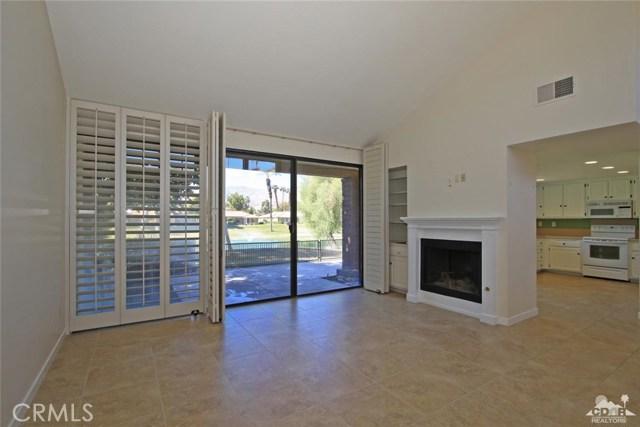 163 Madrid Avenue, Palm Desert CA: http://media.crmls.org/medias/90c5ed4c-0dcc-4a18-83ed-82da393ee063.jpg