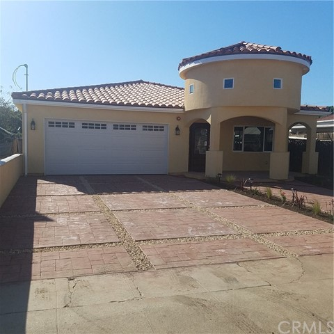 Single Family Home for Sale at 1157 Neptune N Wilmington, California 90744 United States