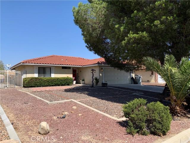 13970 Hidden Valley Road, Victorville CA: http://media.crmls.org/medias/90ea5335-569b-459e-9dbd-dd724f650217.jpg