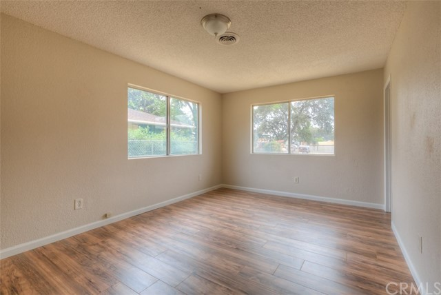 1728 Fresno Avenue, Oroville CA: http://media.crmls.org/medias/91027bb8-98c9-4857-befc-139fb78be831.jpg