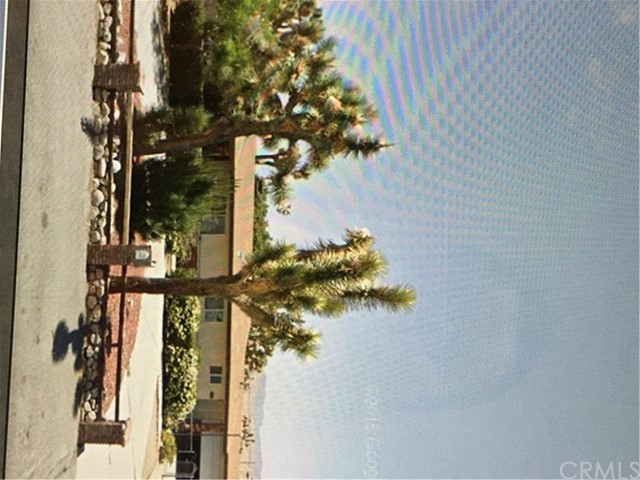 7738 Barberry Avenue, Yucca Valley CA 92284