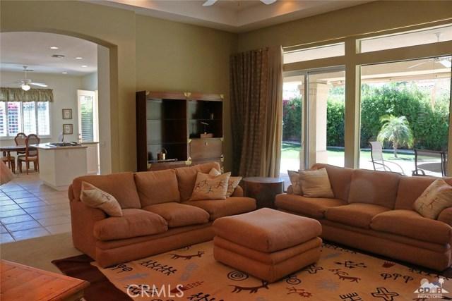 5 Varsity Circle, Rancho Mirage CA: http://media.crmls.org/medias/9108190f-ac6f-45ca-bf5c-9b11eeb94f7a.jpg