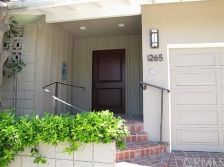 1265 Skyline Drive, Laguna Beach CA: http://media.crmls.org/medias/91086912-785e-41ab-8412-575191d0ebd4.jpg