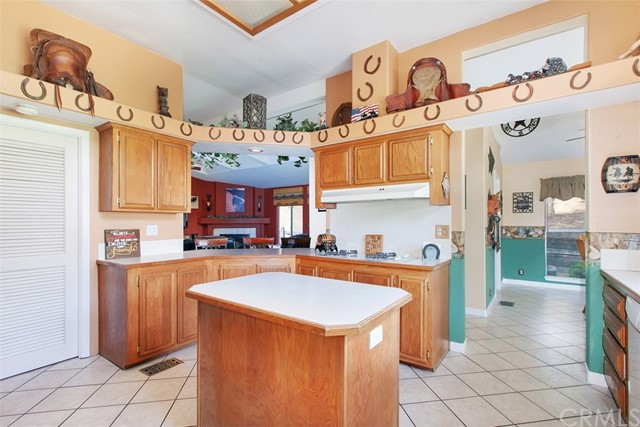 40205 MENG ASBURY ROAD, TEMECULA, CA 92592  Photo 19