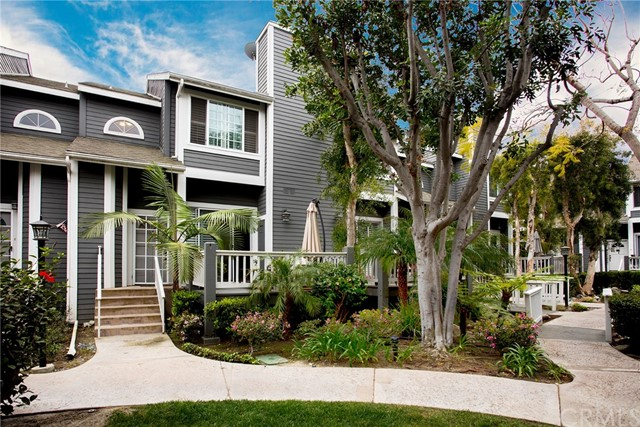 Townhouse for Sale at 2330 Vanguard Way Costa Mesa, California 92626 United States