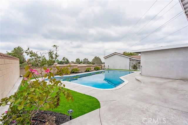 1730 La Mesa Oaks Drive, San Dimas CA: http://media.crmls.org/medias/910f094c-da19-4600-8919-2e96a45eb602.jpg