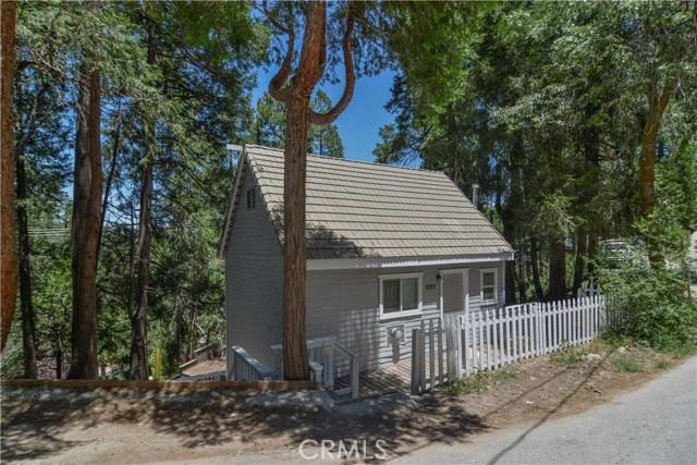 Casa Unifamiliar por un Venta en 29160 Arrowhead Drive Cedar Glen, California 92352 Estados Unidos