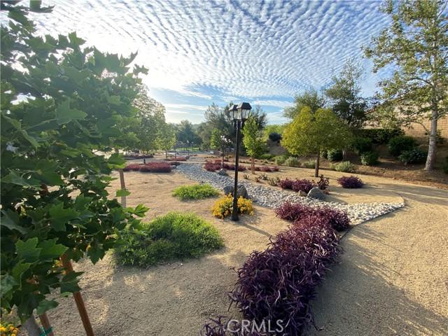 23718 Canyon Heights Drive, Menifee CA: http://media.crmls.org/medias/912386d4-731a-428c-bbbf-3d99edb8dafa.jpg