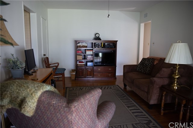 10377 Devillo Drive, Whittier CA: http://media.crmls.org/medias/9128fbe6-8d1e-4a85-9bcd-df9caaaaadb5.jpg
