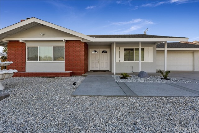 Detail Gallery Image 1 of 1 For 15086 Yaqui Rd, Apple Valley, CA 92307 - 4 Beds | 2 Baths