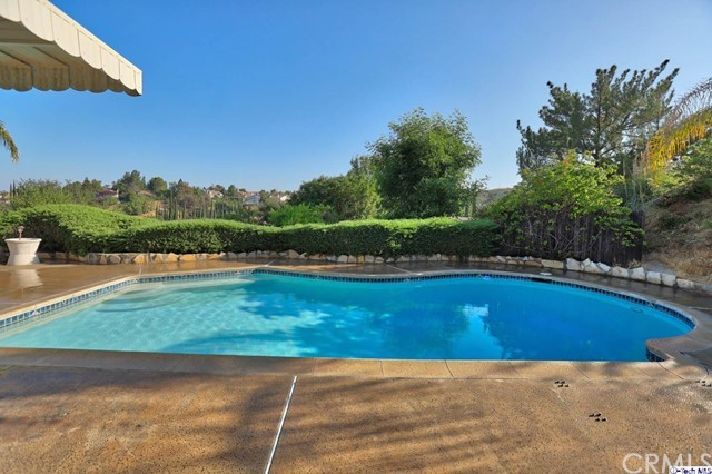 17622 Arvida Drive, Granada Hills CA: http://media.crmls.org/medias/9145cc22-5c46-4fc9-bf8a-b5ac2cb20761.jpg