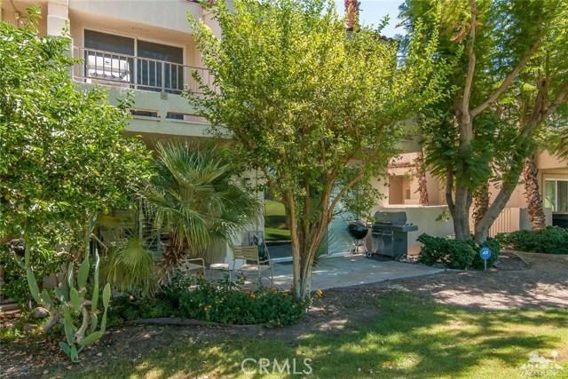 55371 Winged foot, La Quinta CA: http://media.crmls.org/medias/914748a1-4cca-4a90-b3c1-0475391c00cb.jpg