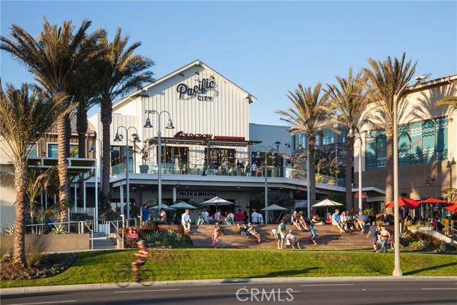 8268 Artista Drive, Huntington Beach CA: http://media.crmls.org/medias/914ad65c-f434-4db6-a35b-e6590aa4f9ba.jpg