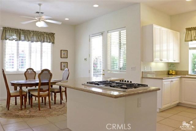 5 Varsity Circle, Rancho Mirage CA: http://media.crmls.org/medias/914d0f6e-5e07-4936-85a4-489f37e80f5a.jpg