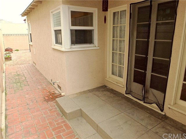 125 Siena Drive, Long Beach CA: http://media.crmls.org/medias/914f804a-f093-4eb4-8b54-3665187b814f.jpg