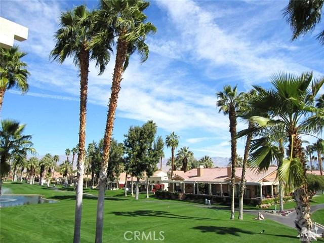 42610 Liolios Drive, Palm Desert CA: http://media.crmls.org/medias/9153d647-39c0-4fba-ba6d-0c1c662922f4.jpg
