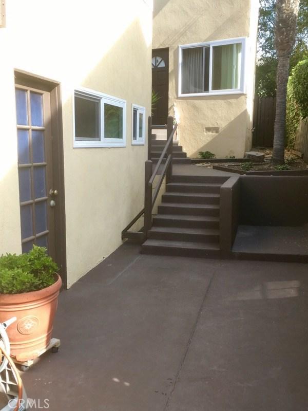 329 Encino Lane, San Clemente CA: http://media.crmls.org/medias/91589204-54a3-43f3-8a85-c8c73659127e.jpg