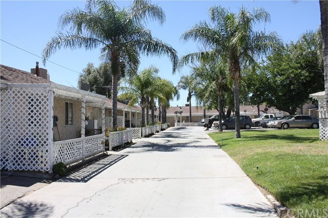 Single Family Home for Sale at 845 E 6th Street 845 E 6th Street Beaumont, California 92223 United States