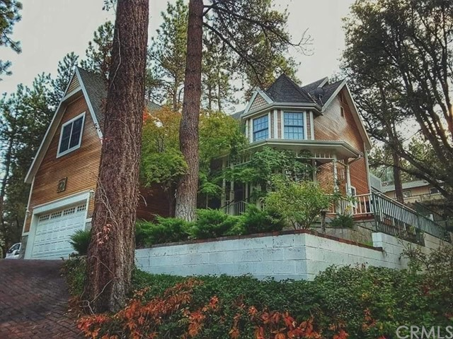 Single Family Home for Sale at 1085 Eagle Road Wrightwood, California 92397 United States