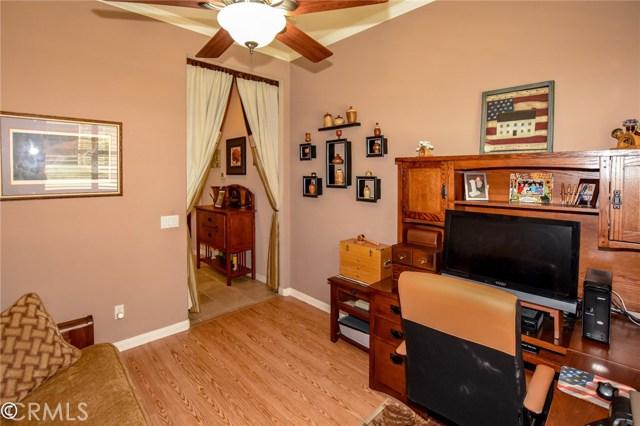 10570 Bridge Haven, Apple Valley CA: http://media.crmls.org/medias/9177b6a0-5176-4938-bc9b-f9e7ba2aeb62.jpg